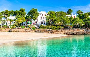 De witte stranden van Cala d'Or