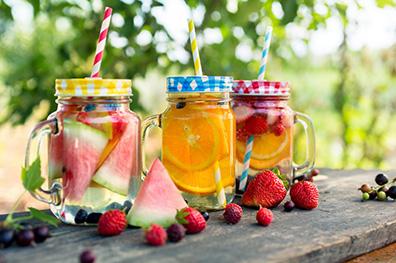 Zelf drie zomerdrankjes maken