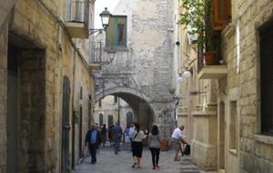 1. Ronddwalen in de historische stad Bari