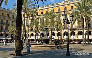 Gezelligheid op het plein: Placa Reial