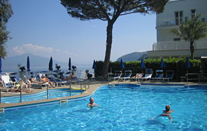 Kamers met zeezicht in Hotel Grand Riviera
