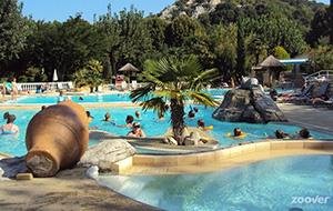 Relaxen aan het zwembad bij Camping L'Ardéchois