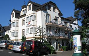 Aan de Moezelparade: Hotel Moselromantik Panorama