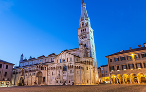 5.Modena: stad met imposante gebouwen