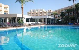 Hotel Garbi Ibiza & Spa is voor de strandliefhebbers