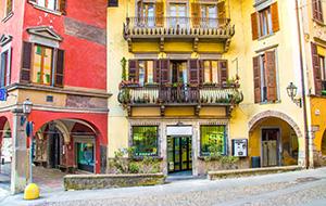 Pisogne: vol historische gebouwen