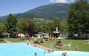 Zwembad als blikvanger: Camping Am Waldbad