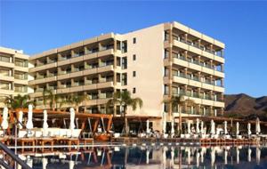 1. Het geweldige vijfsterren hotel Alimounda Mare