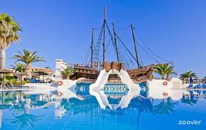 Een piratenboot voor kids bij Kipriotis village