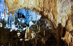 De grotten van Frasassi