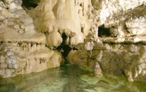 Dompel onder in de Grotte di Toirano