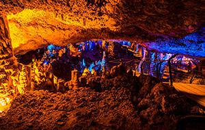 Ga ondergronds in de grotten van Hotton
