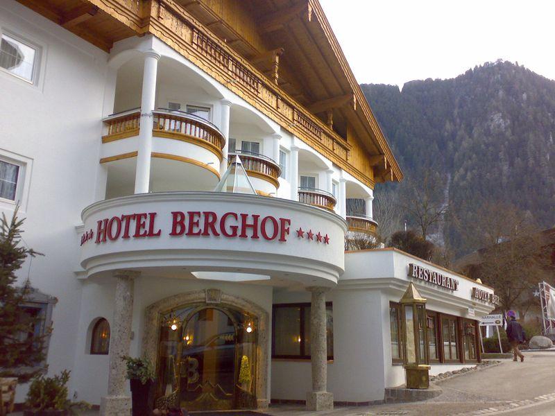 1. Hotel Berghof in hartje Mayrhofen