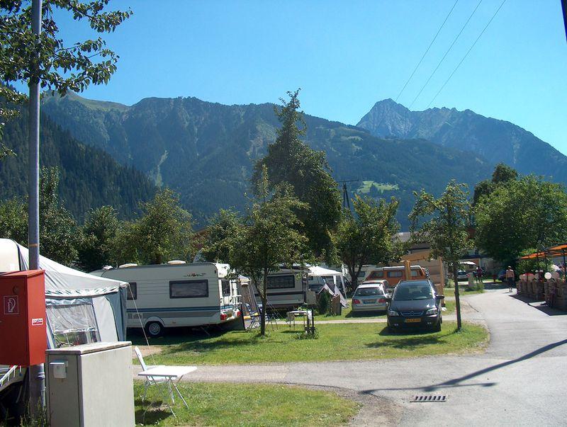 2. Ontspannen wakker worden op Camping Mayrhofen Kroll