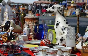 Bezoek een gratis rommelmarkt