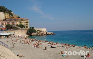 Aan het strand: Castel Plage