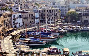 Girne (Kyrenia): zon, zee en shoppen