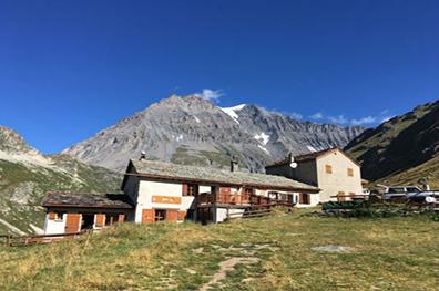 Spectaculaire berghutten voor klimmers