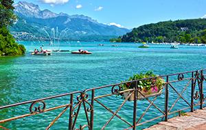 Wateractiviteiten op het Meer van Annecy