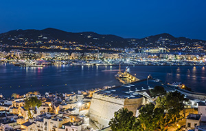 De haven van Ibiza-Stad