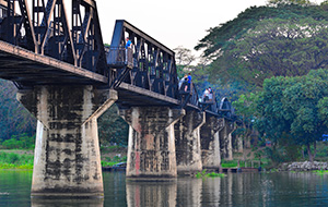 2. Wandel over de beroemde 'Bridge on the River Kwai'