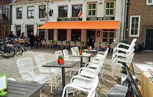 Midden in de stad: Hotel LangeJan