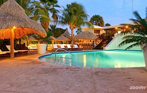 Kleurrijk Bungalow Papagayo Beach Resort