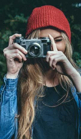 Mujer haciendo foto