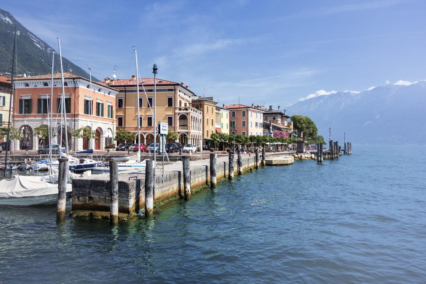 Der Hafen von Gargnano.