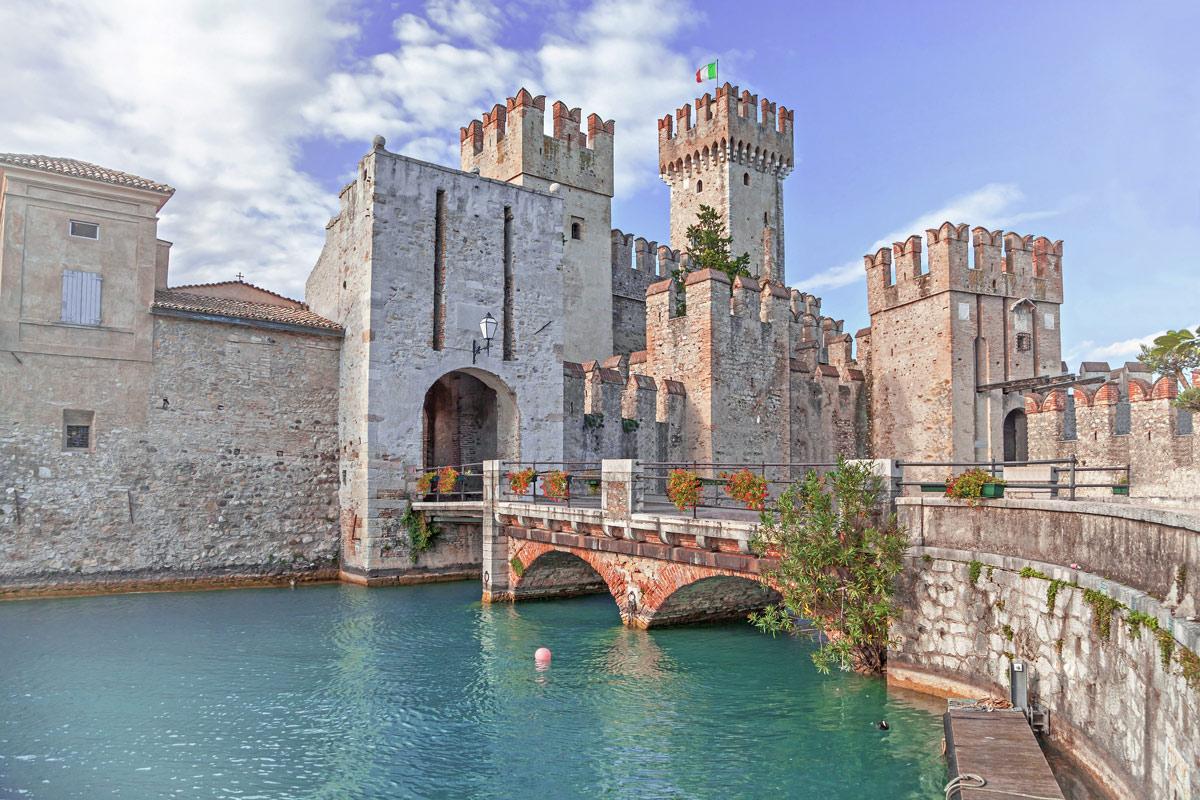 Eine Burg der Scaliger in Sirmione.