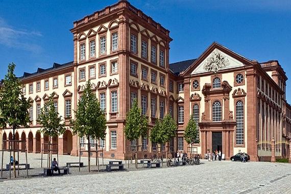 Historisches Gebäude in Mannheim