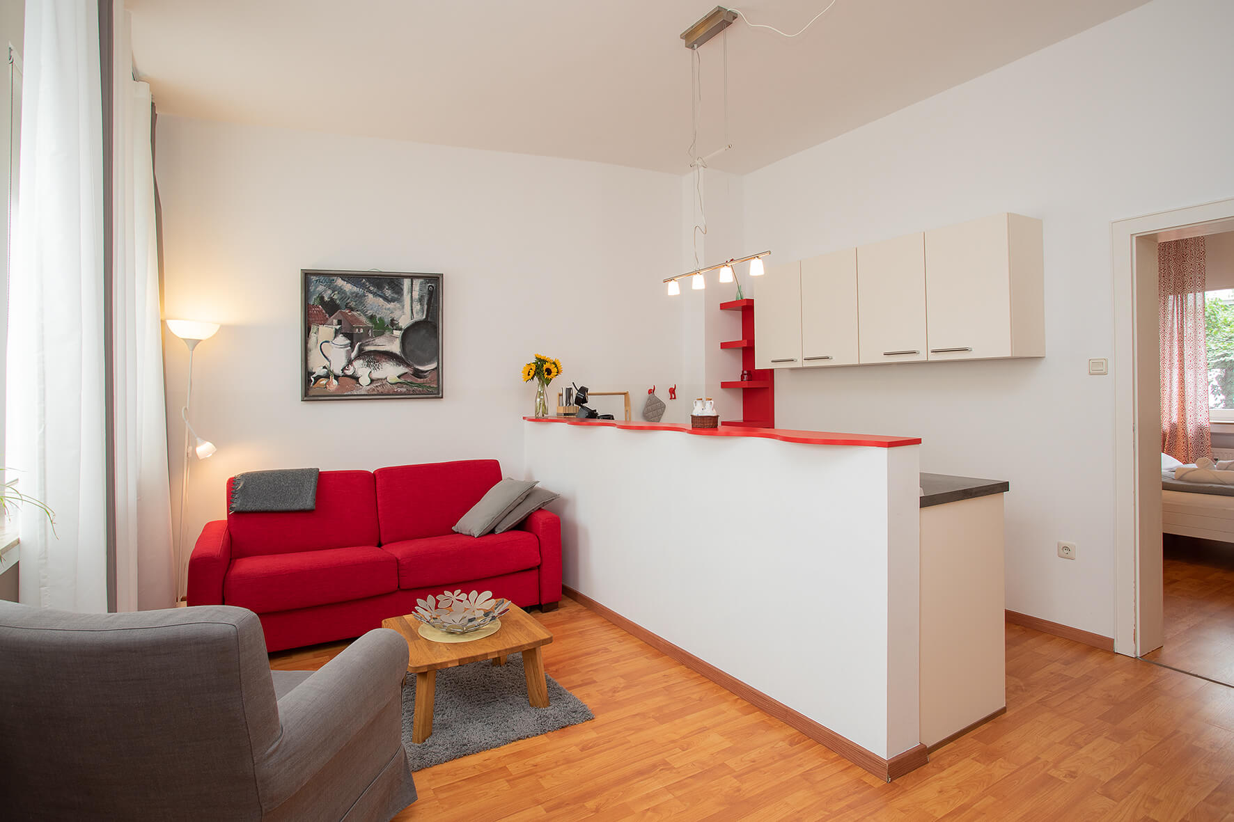 The red apartment