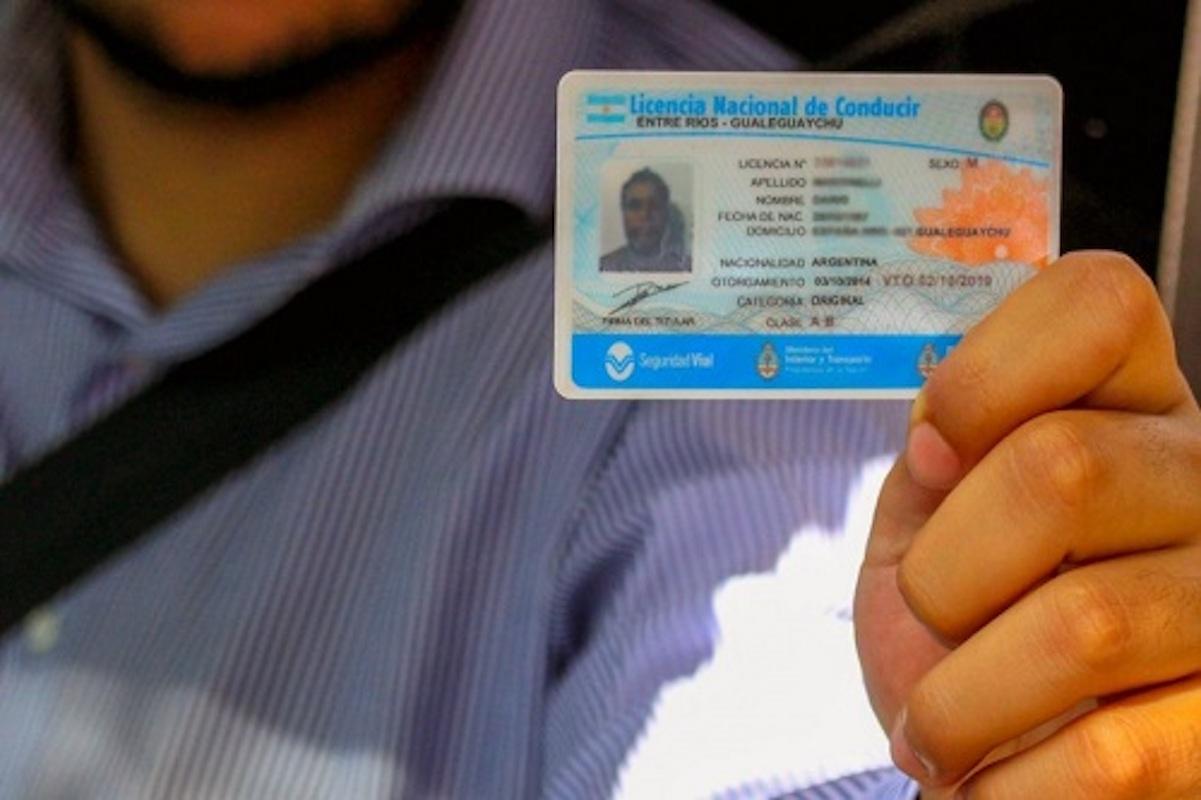 Solicita tu Licencia de Conducir uruguaya