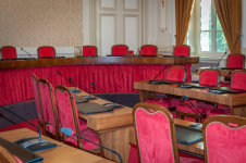 Réunion du conseil municipal dans la mairie