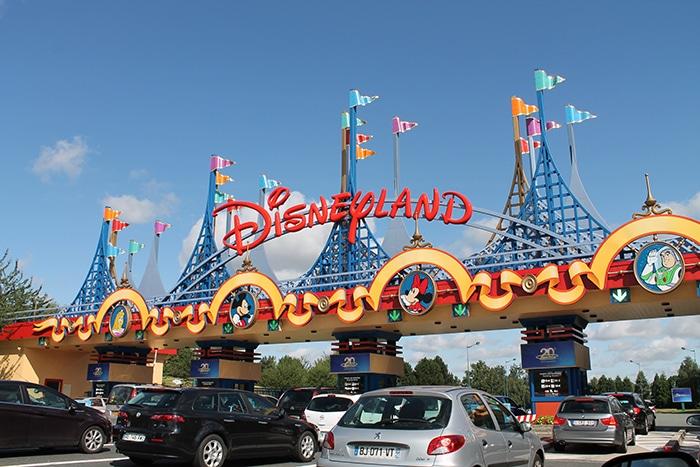Entrée du parking Disneyland Paris