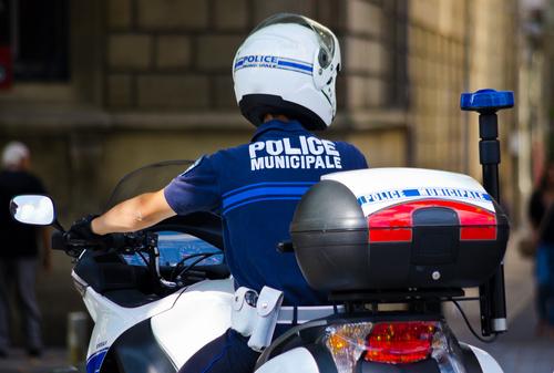 Police municipale en moto