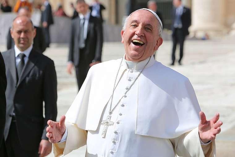 """ملخّص الإرشاد الرسولي """"إفرحوا وابتهجوا"""" للبابا فرنسيس"""
