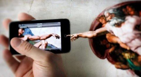 هل يُعارض الله مواقع التواصل الإجتماعي؟!