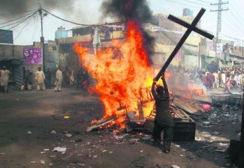أنا مسيحي... أقتلوني!
