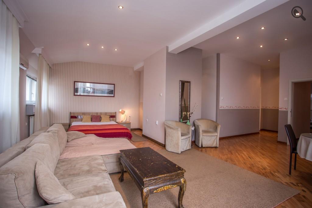 Četvorosobni Apartman Penthouse Beograd Centar