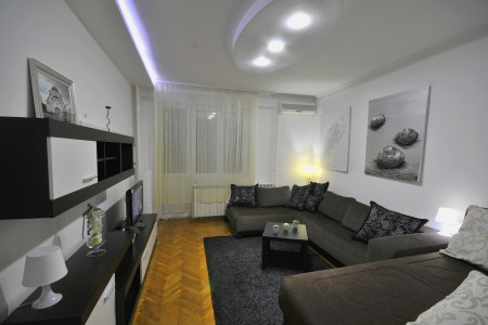 Two Bedroom Apartment Bash Belgrade Center