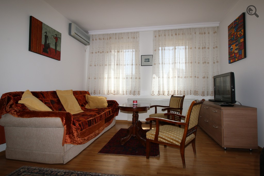 Stan , Beograd (grad) , Kratkoročno izdavanje | Dvosoban Apartman Kombank Beograd Novi Beograd