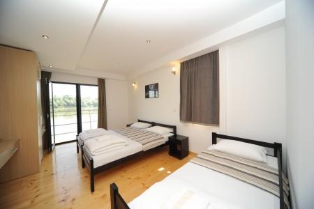 apartmani beograd bb boatel charlie triple room 31 bed bb7 3103