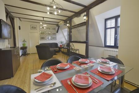 Four Bedroom Apartment Devet Belgrade Center