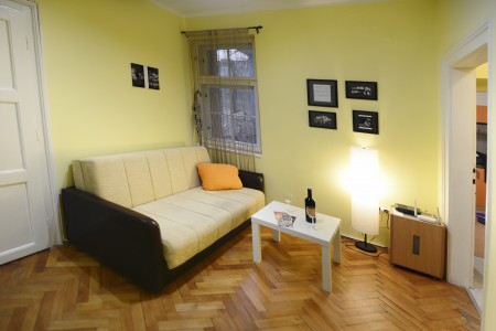 Three Bedroom Apartment Tri šešira Belgrade Center