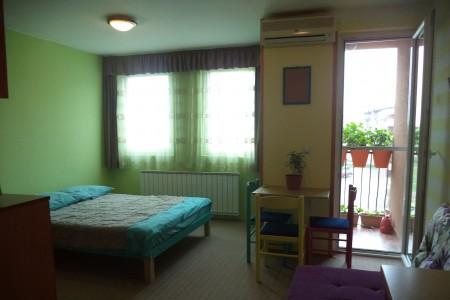 Studio Apartment Small Dots Belgrade Vozdovac