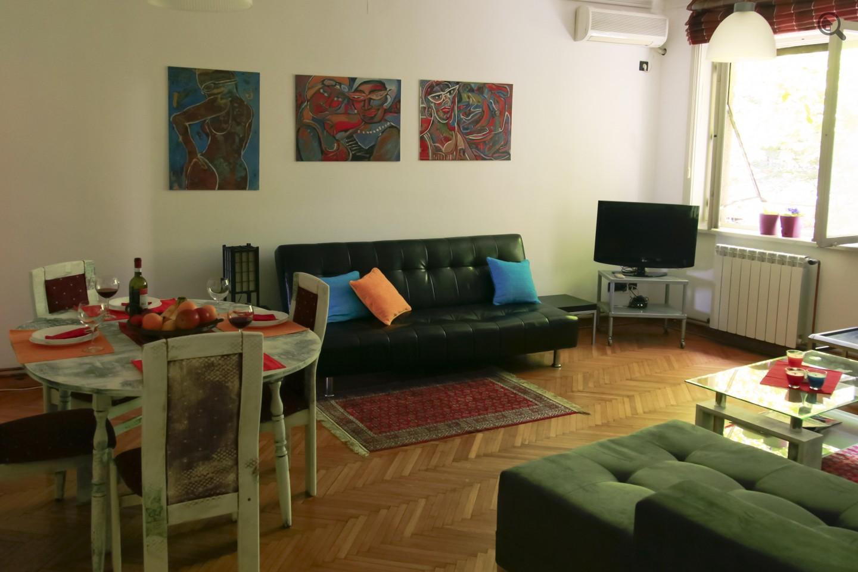 Stan , Beograd (grad) , Kratkoročno izdavanje | Dvosoban Apartman Around The World Beograd Centar