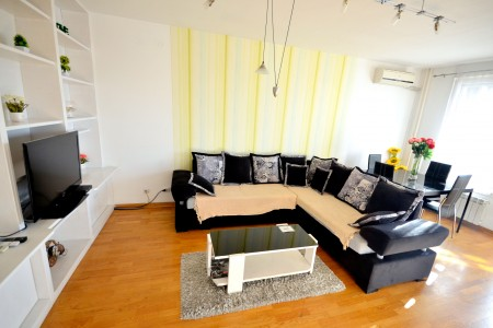 Two bedroom Apartment Jolly Belgrade New Belgrade