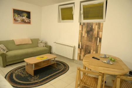 Two Bedroom Apartment Zeleni Belgrade Vracar