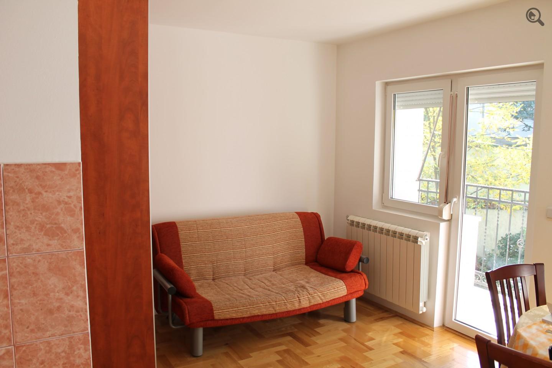 Stan , Beograd (grad) , Kratkoročno izdavanje | Studio Apartman Calm Beograd Rakovica